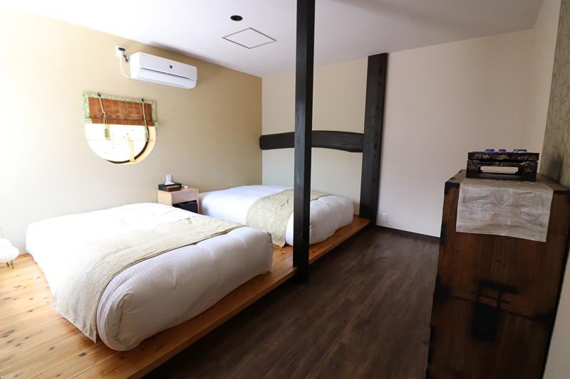 寝室にシモンズ製マットを導入した部屋もある