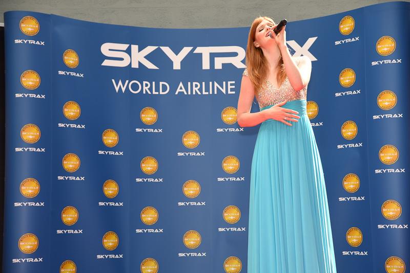 賞の発表前には、Hayley Griffithsさんがミニコンサート