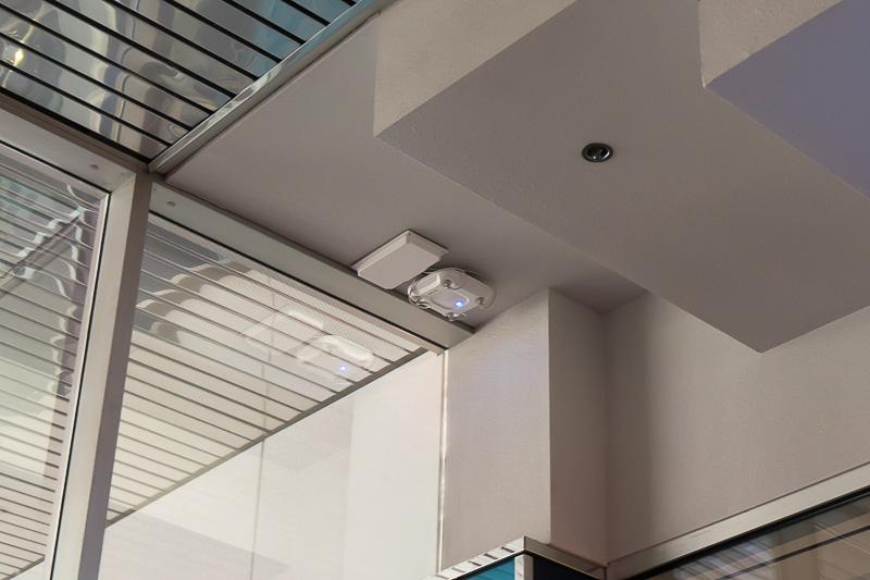ロビーを中心にフリーWi-Fiが利用できる。出展者向けには館内に別ネットワークが用意されている