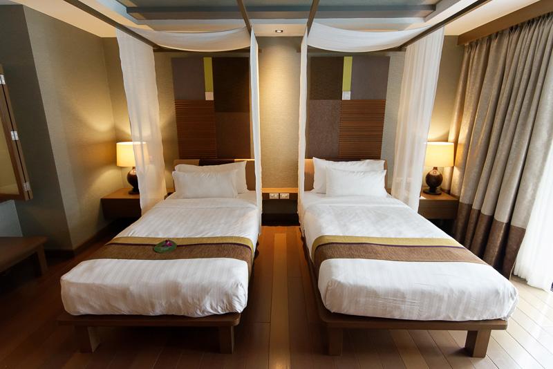 53m<sup>2</sup>の広さがある部屋「デラックス プールアクセス」。1泊料金は9000バーツ(約2万7000円、ローシーズン)~1万1000バーツ(約3万3000円、ハイシーズン)とのこと