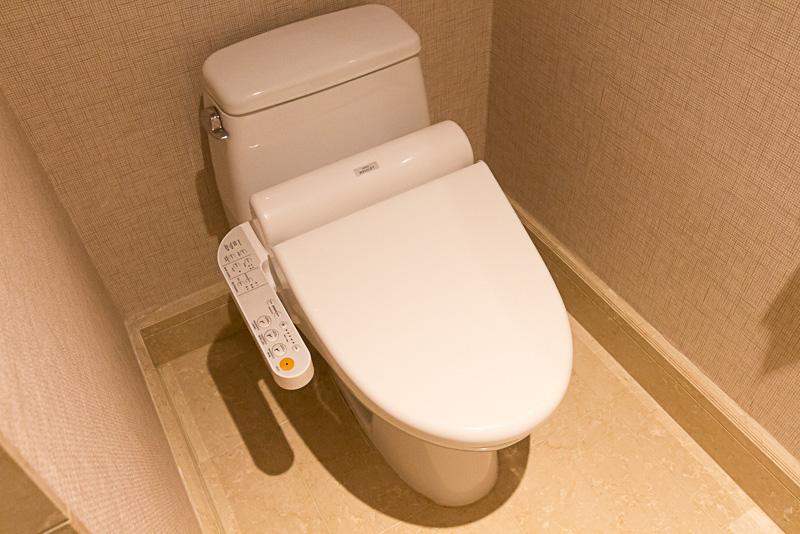 ウォシュレットを備えたトイレ