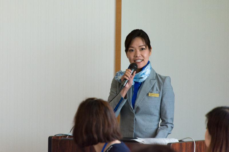 司会やドリンクサービスのデモンストレーションなど担当した柴田CA