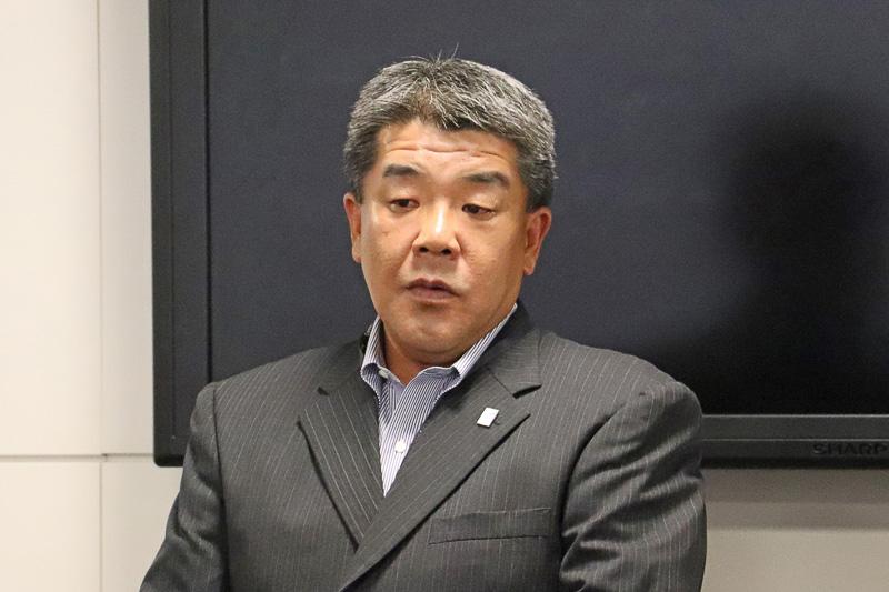 サマースクールの校長役であるNAAの江邨孝夫氏