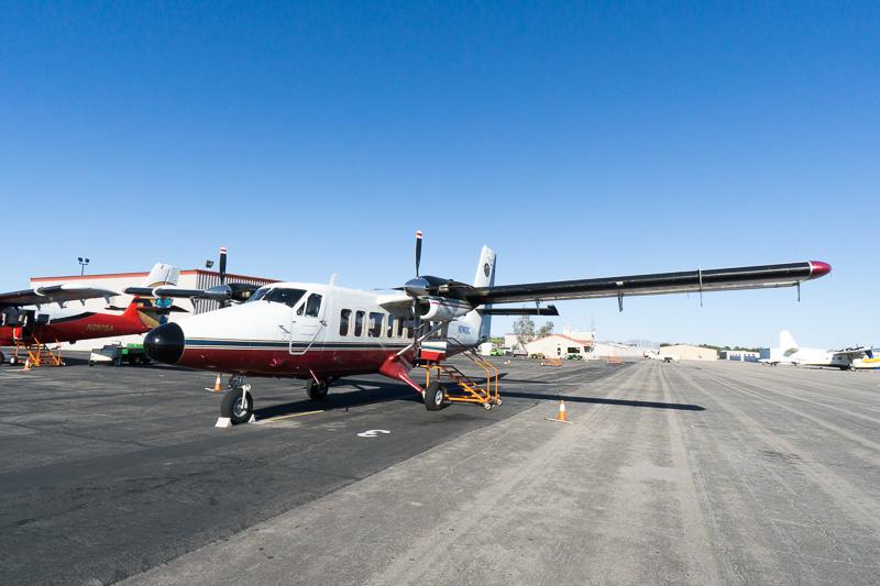 乗り込むのはこちらの小型双発飛行機「Vistaliner」