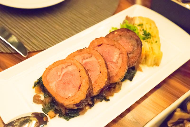 ラム肉のローストビーフ。臭みもなく食べやすい