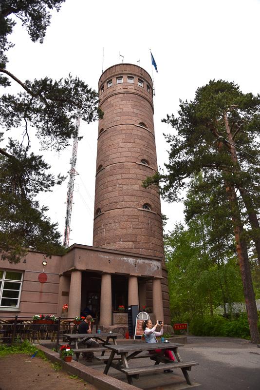 地元民の憩いの場でもある「ピューニッキ展望台」と「ピューニッキ・タワーカフェ」