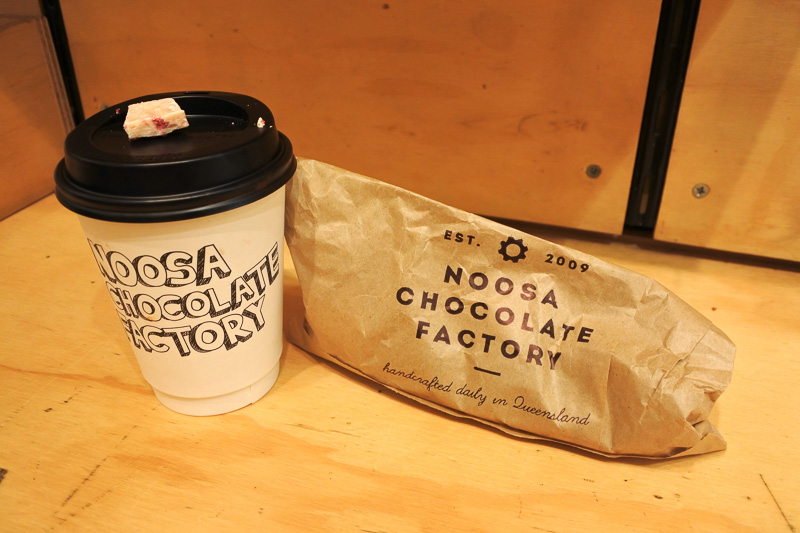 「73% cacao dark hot chocolate」とミックスチョコレート