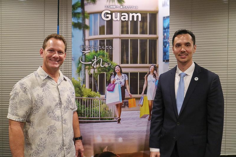 来日した米国グアム準州 副知事 レイモンド・テノリオ氏(左)と、グアム政府観光局 局長兼CEO ジョン・ネイサン・デナイト氏(右)