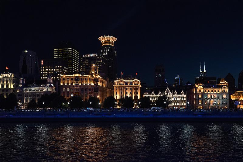 左から、上海クラブビル、外灘3号(旧ユニオン・アシュランス・カンパニーズビル)、旧中国通商銀行ビル、旧日清汽船上海支店ビルなど