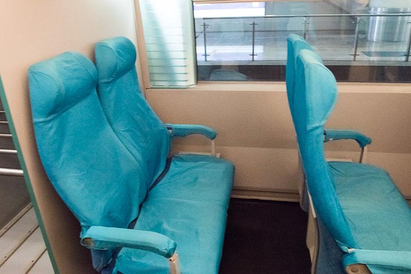 シートはシンプルで特に座る以外の機能はない