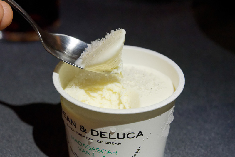 DEAN&DELUCAの「スーパープレミアムバニラアイスクリーム(JALオリジナル)」