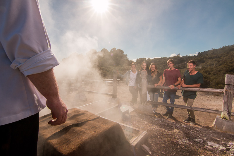 間欠泉の熱を利用したスチームボックス(写真提供:Te Puia)