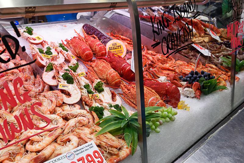肉や魚介類も豊富。ただ、値段は東京と同じ程度かやや高め