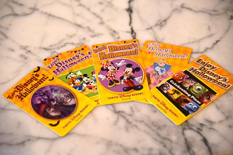 「ディズニー仮装デイズ」に合わせてディズニーキャラクターの仮装ゲストにプレゼントされるオリジナルカード