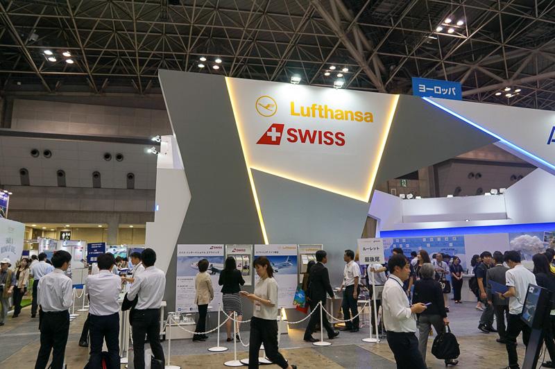 ANAブースと一体化しているスイス・インターナショナル・エアラインズ、ルフトハンザ・ドイツ航空のブース
