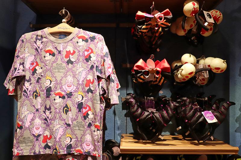 「Tシャツ」(S~LL、各2600円)や「カチューシャ」(1800円)で手軽に仮装