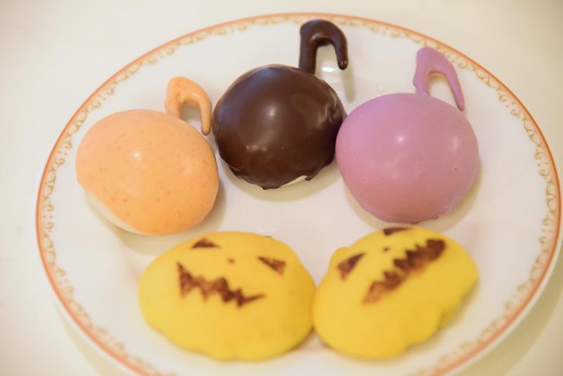 3種の味で音符をモチーフにした「チョコレート サツマイモブレッド」とかぼちゃづくしな「パンプキンクリームブレッド」