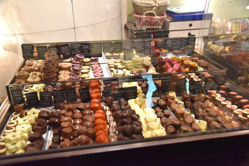 北欧中のイチオシチョコレートを揃えた「スクラープ&オティ」