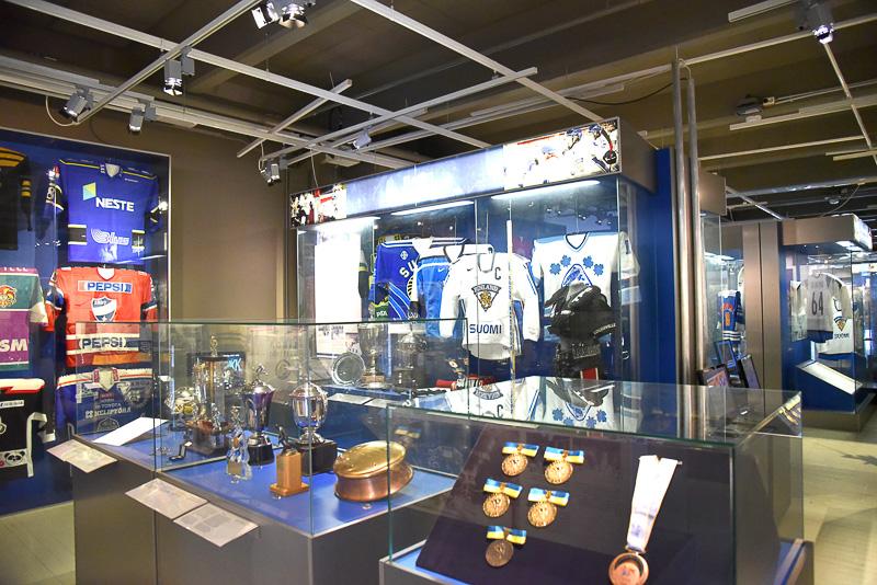 「フィンランド・ホッケー・ホール・オブ・フェイム」は実際の映像やトロフィーなどを展示して、その魅力を紹介