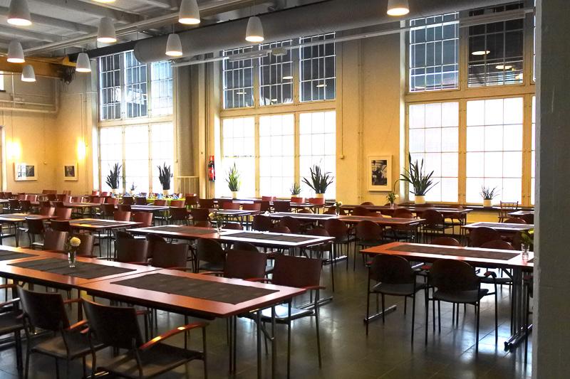 「ミュージアムレストラン・バルッシ」。パーティ用に飾り付けされたテーブルもあった