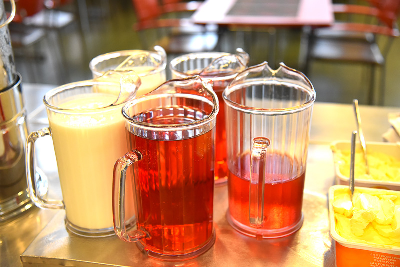 ベリージュースやサワーミルクを用意。デザートのパンナコッタの美味しさは抜群だった