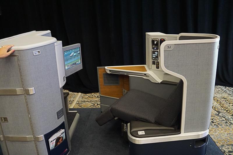 ボーイング 777-300ER型機のシート