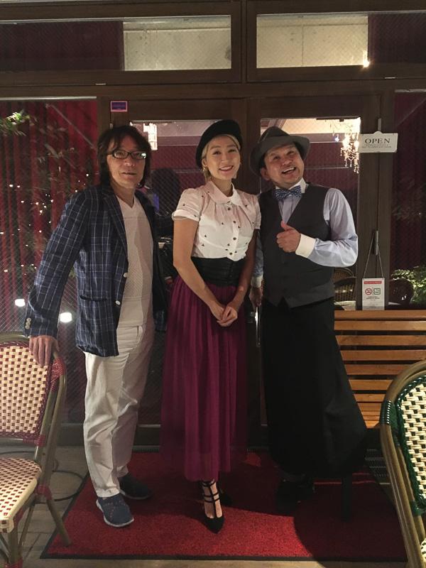 左からピアニストの北島直樹さん、琴音、「Paris kidori」オーナーの藍澤幸頼さん