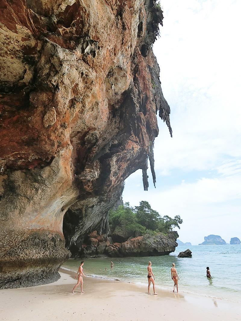 プラナンビーチにあるプラナン洞窟
