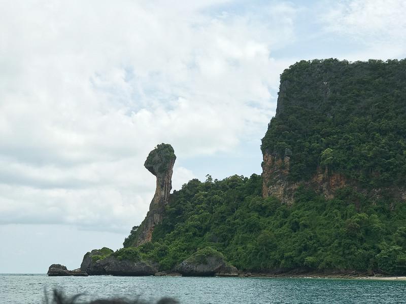 チキン(ガイ)島。ガイとはタイ語でニワトリ、鶏肉の意味