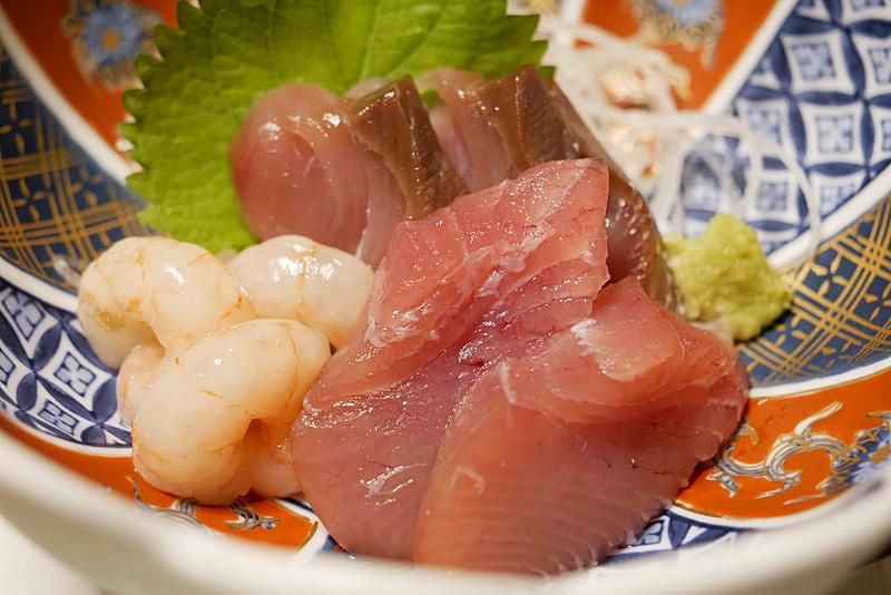 刺身や鯛のムニエルなど、魚もなるべく庄内産のものを選んでいるという