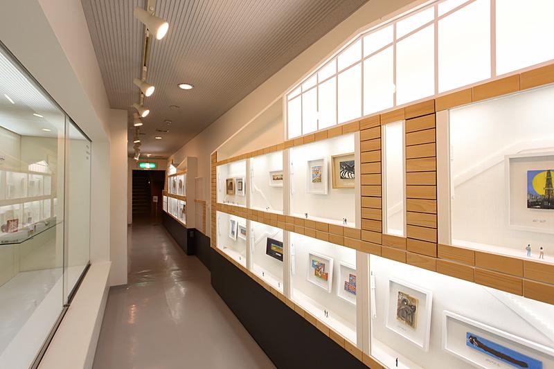 「小さな美術展かまぼこ板絵国際コンクール」作品常設ギャラリー