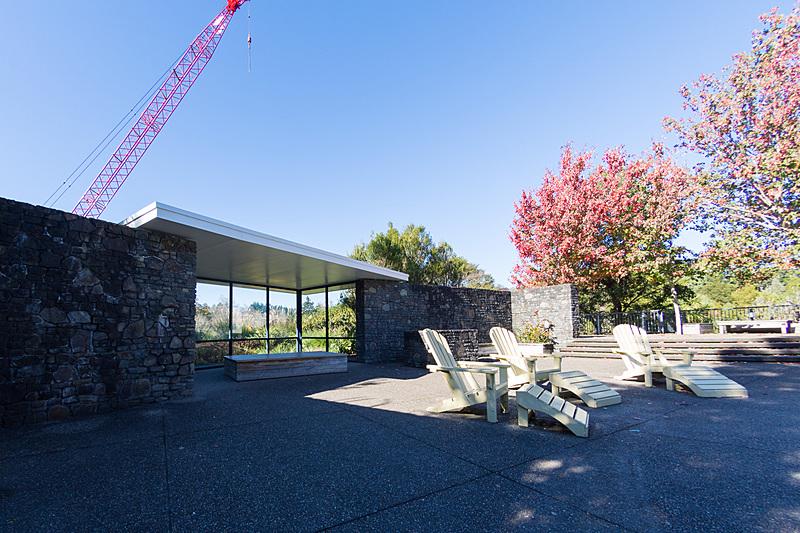 「Modernist Garden」と名付けられた20世紀のアメリカをテーマにした庭園。プールや花壇の湾曲は米西海岸をイメージしているという