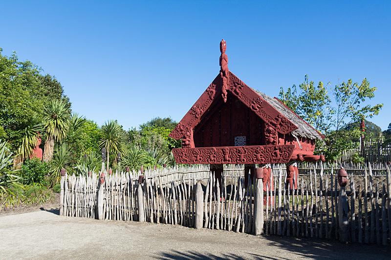 マオリの穀物生産をテーマにした「Te Parapara Garden」。高床式倉庫のような祭壇など、同じ島国出身者として文化の伝来の不思議さに思いを馳せる
