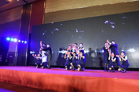 日本と中国各地からOB/OGも駆けつけたJAL大連線20周年レセプション JALが大連線就航20周年を記念するパーティを開催した