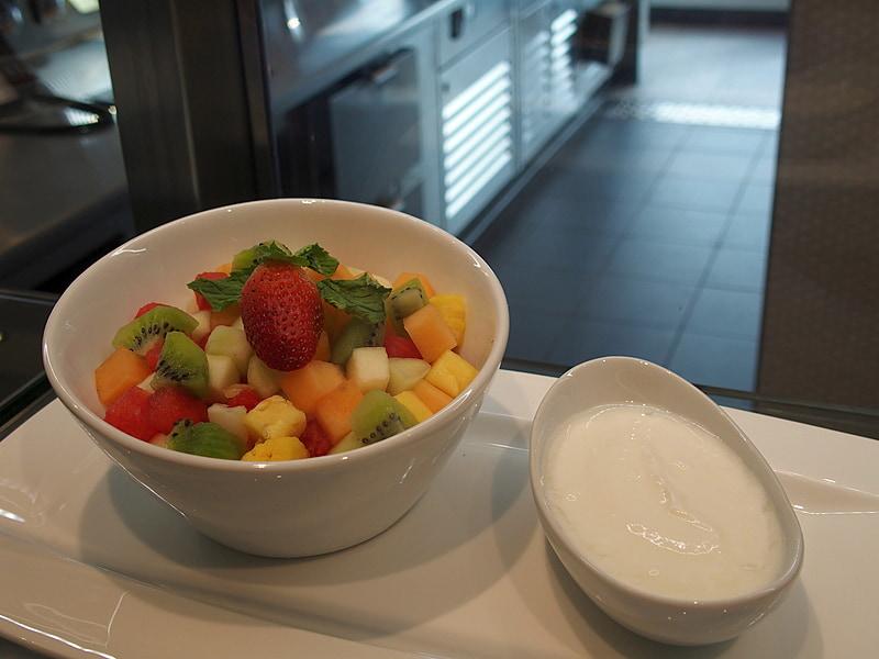 果物や野菜を中心とした健康重視のメニューを提供している
