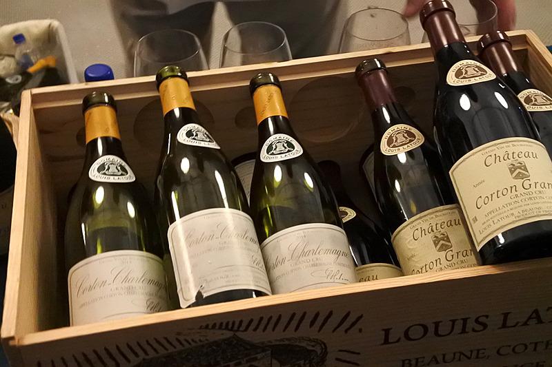 次々と空になっていくワインの瓶。後半になると人気のワインメーカーの銘柄はテイスティングが終了してしまうので、お目当てがある場合は早めに向かおう