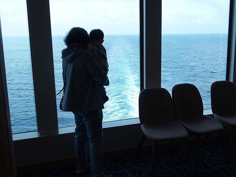 三世代で乗船している家族も多い