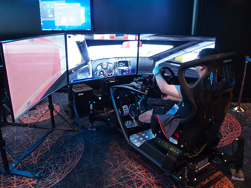 Vesaro Advanced Stage 9 Vesaro 195という超豪華なレースシミュレータデバイス
