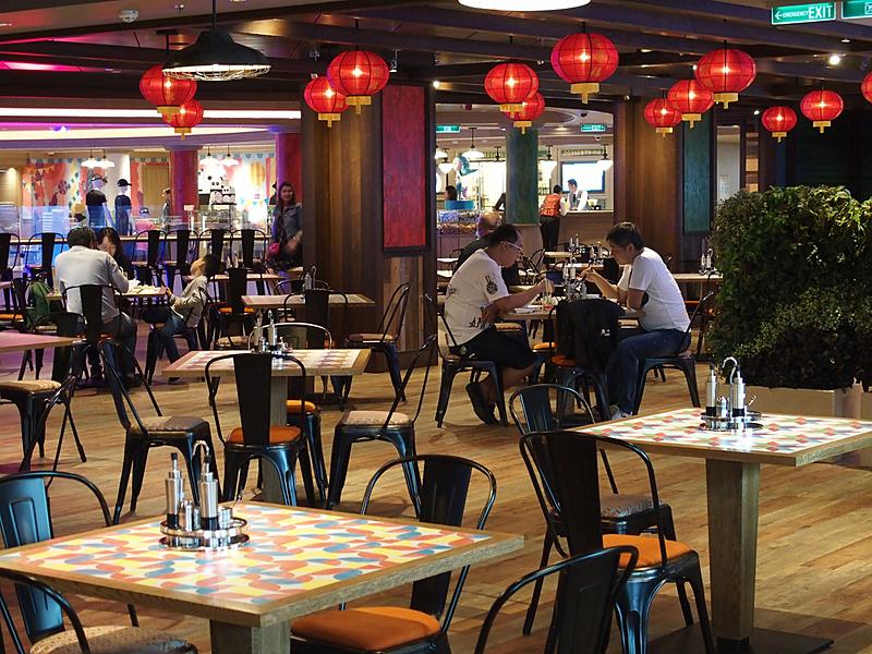 暑い昼下がりでもモリモリ食べられる東南アジアレストランBlue Ragoon