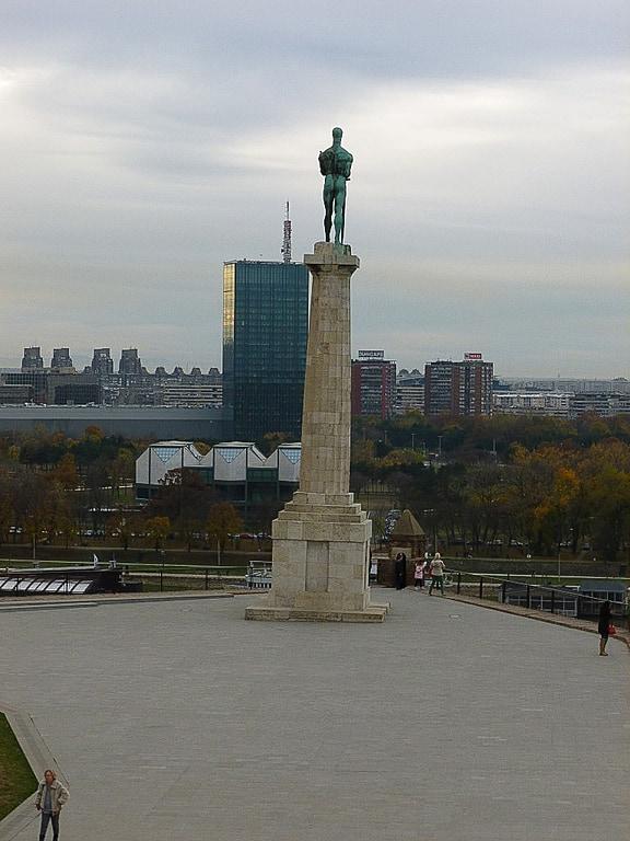 勝利者の像