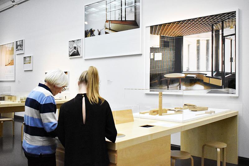 """世界的な""""建築家として知られるアアルト""""の展示コーナー"""