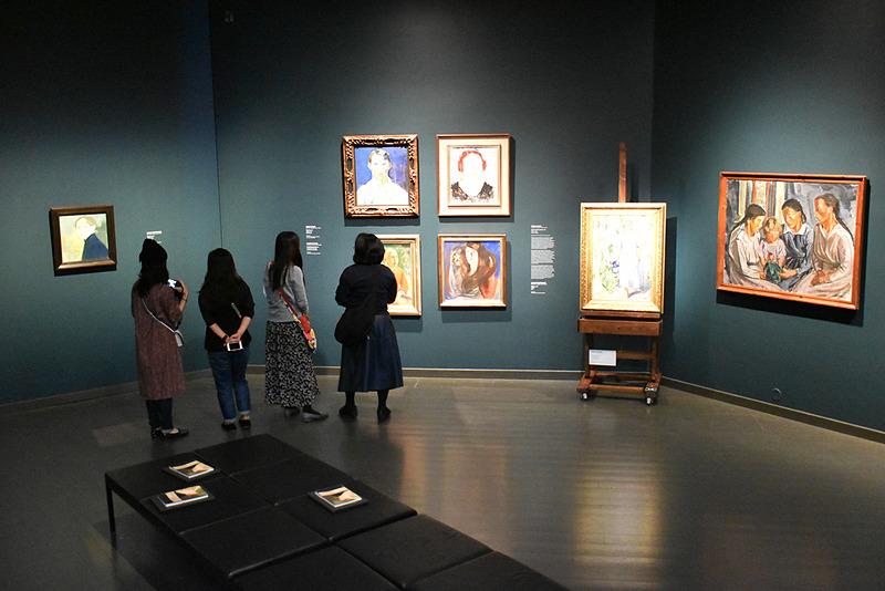 フィンランド作家の作品を中心に数多くの絵画を所蔵するアテネウム美術館