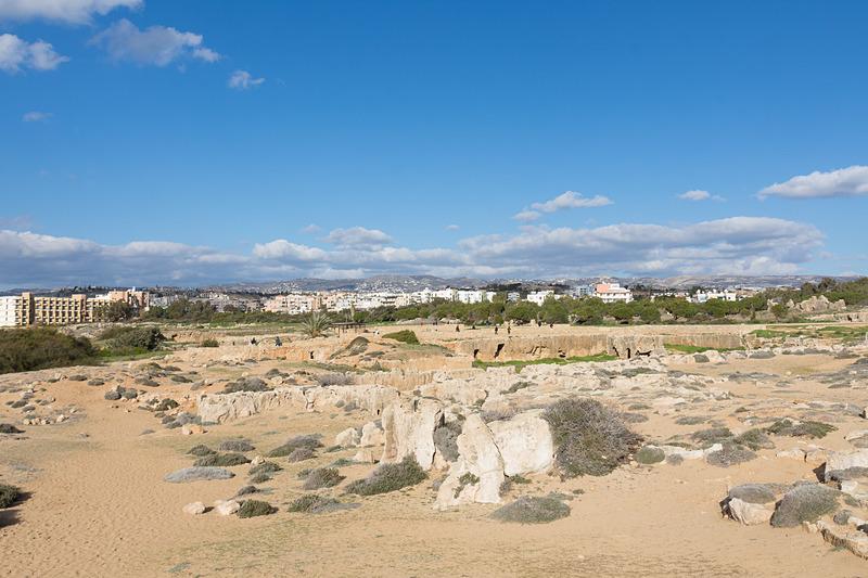 1つ1つの墓のサイズが大きく、それが集まっているので、必然的に非常に広大なエリアとなっている