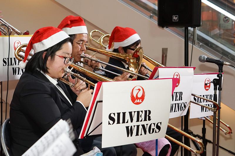 JAL JAZZビッグバンド「シルバーウイングス」の演奏