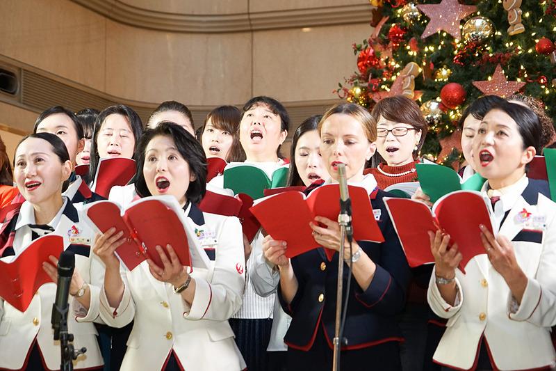 JAL合唱団「FREUDE(フロイデ)」の合唱と演奏