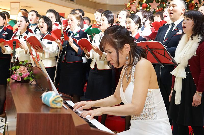 ピアノ演奏の池田由紀子さん