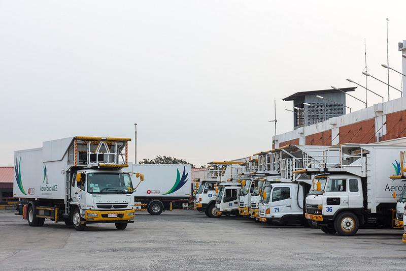 ガルーダ・インドネシア航空の本拠地であるジャカルタの機内食工場や整備場を見学