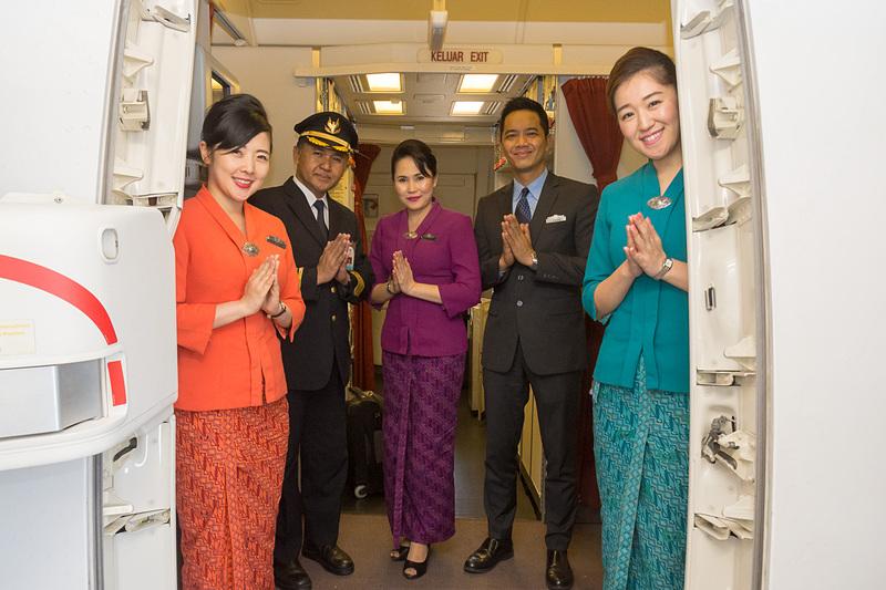 乗務員。ガルーダ・インドネシア航空は英SKYTRAXの「ワールド・ベスト・キャビンクルー」を2014年から4年連続で受賞している