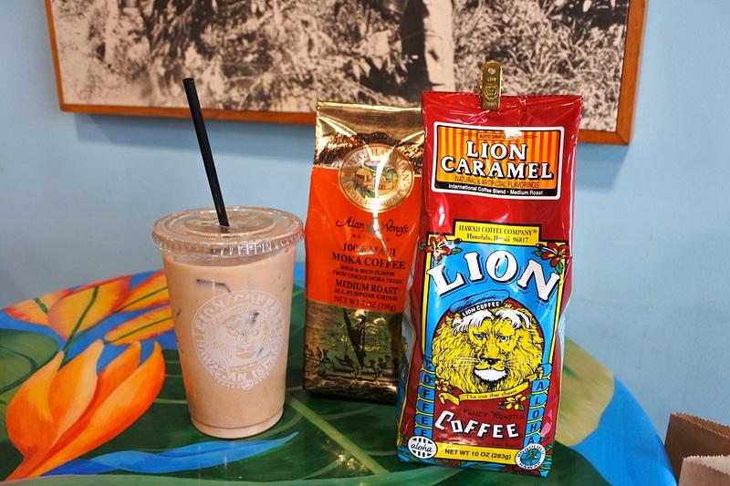 「Alan Wong's 100% MAUI MOKA COFFEE」と「LION COFFEE 10oz . Regular (LION CARAMEL)」、「Mocha Latte」を購入