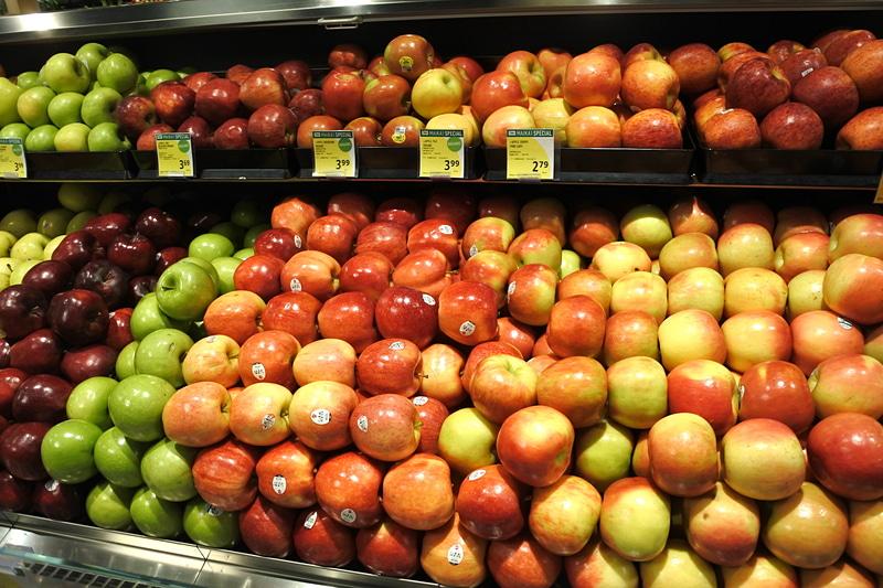 生鮮食品からフルーツ、デリまで豊富なラインアップとなっている
